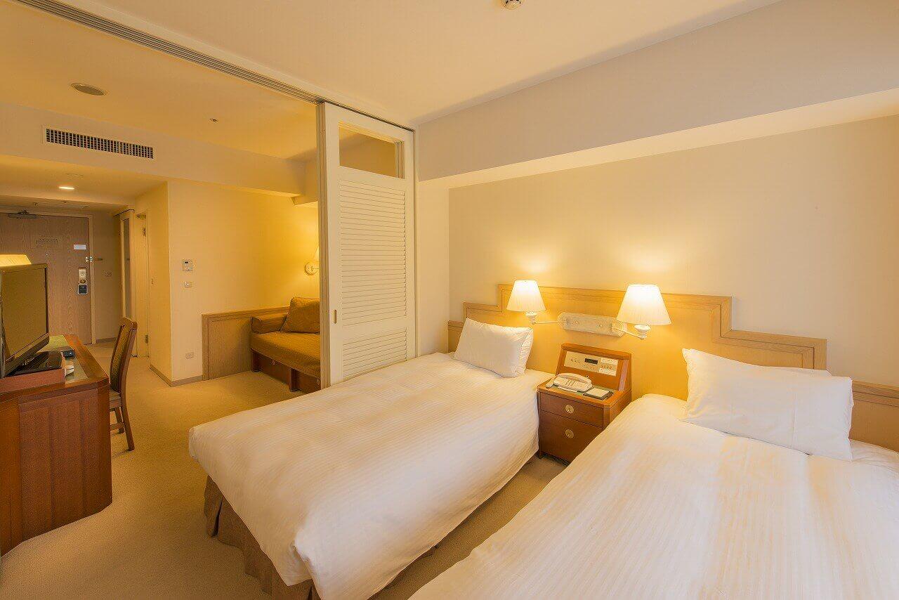 1~4名まで宿泊できる客室の他、ベビールームがある