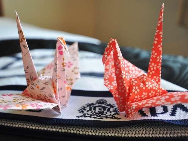 客室で折り鶴がお客様をお出迎え致します