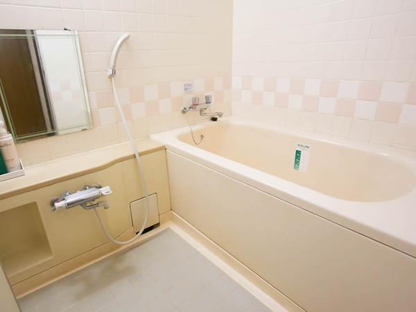 """お風呂の洗い場が別の""""セパレートタイプ""""の客室"""