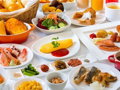 その数なんと90品、全国的に評価の高い朝食バイキング