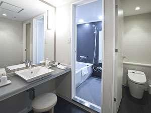 リニューアルをしたデラックスツインルームのバスルーム