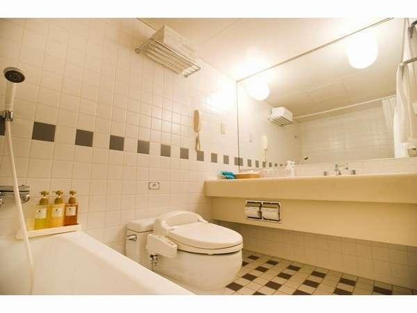 他のホテル比べて広いバスルームは東武ホテルの魅力のひとつ