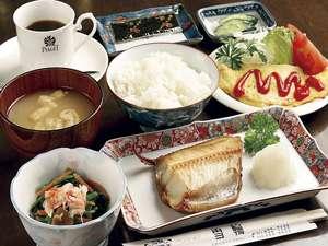朝食は元気が出る手作りの和食主体の日替わり定食