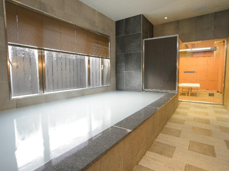 時間入替の大浴場も完備