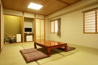 家族やグループにぴったりの和室も完備