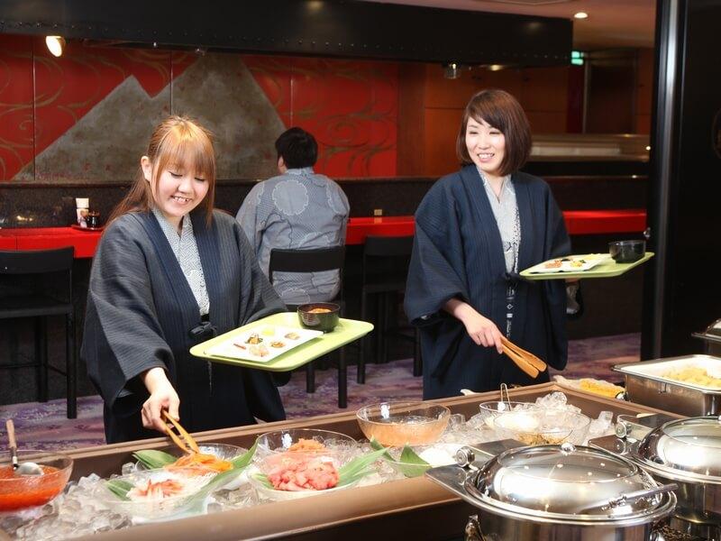 和洋朝食バイキングでは海鮮丼も作れる
