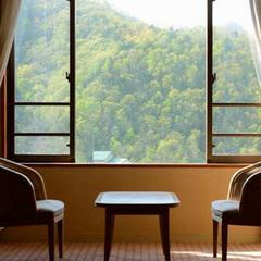 定山渓の四季が楽しめる日常を忘れる空間
