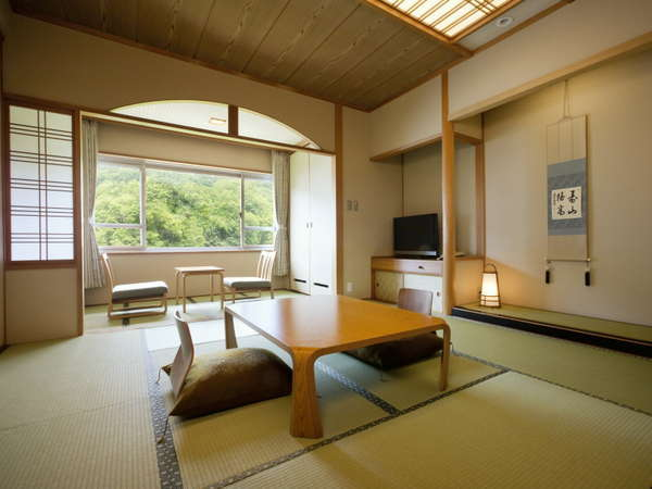 客室は全室渓谷側なのでどの部屋からも定山渓の景色が楽しめる