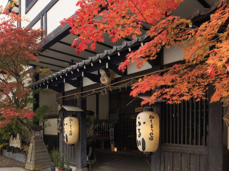 札幌の奥座敷、囲炉裏のある宿内は故郷の様なぬくもりがいっぱい