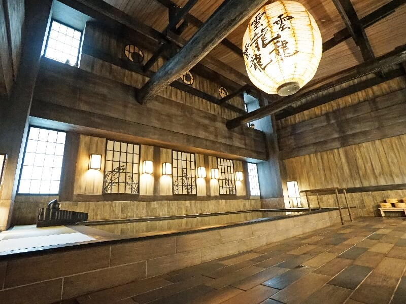 ホテル3階、5階の天然温泉大浴場は男女入替制で両方の浴場を楽しめる