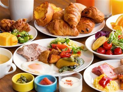 おしゃれなレストランで味わう朝食ブッフェで元気チャージ