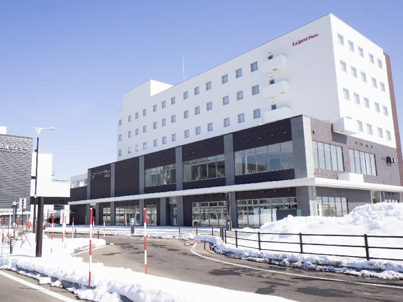 北海道新幹線「新函館北斗」駅目の間の好立地ホテル