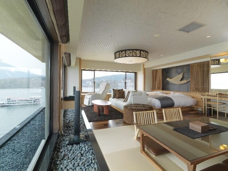 客室はスタンダードな和室や和洋室から温泉付展望特別室まである
