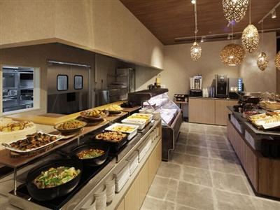 朝食はホテル1階で和洋中ブッフェ