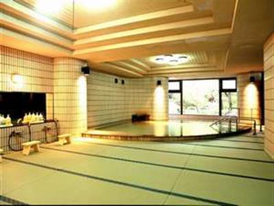 1度は体験したい「畳風呂」 広々とした畳で優しい空間のお風呂