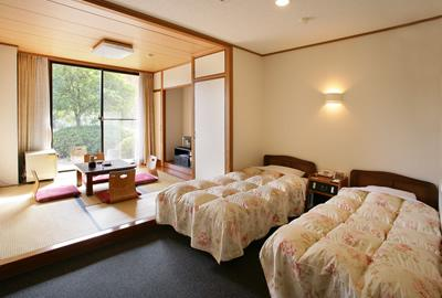 ☆2013年3月リニューアルしました。ホテル和洋室です。