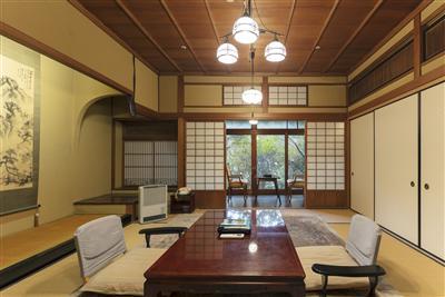 「大正亭」は昭和天皇が宿泊されたことでも有名。