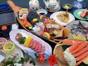 料理長が腕によりをかけた季節会席(旬の鮮魚の舟盛りは2名様分)
