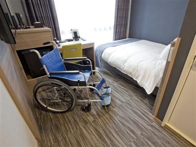 高齢者や車椅子での利用を考慮した親切設計