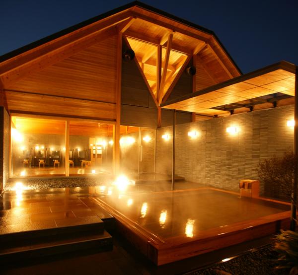 離れの特別浴場「心晶」。