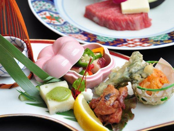 和食会席:料理の一例です。内容は季節によって異なります。