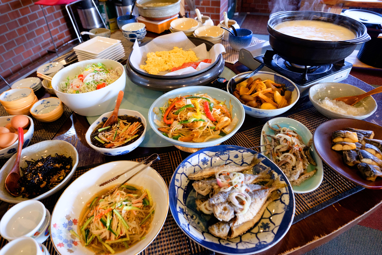 嬉野名物・温泉湯豆腐付きバイキング朝食