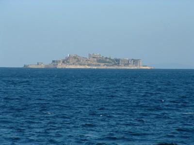 軍艦島を目の前に望めます。当館より上陸ツアーも開始!