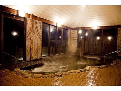 鬼岳温泉内の大浴場