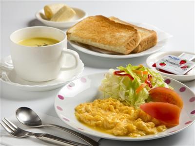 朝食は和食・洋食・ピザトーストよりチェックイン時に選択できます