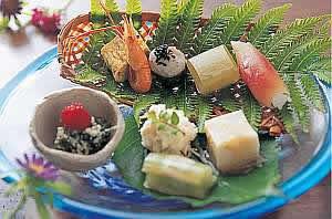 色鮮やかな品々が並ぶ色鮮やかな品々が並ぶ。前菜一例。前菜一例