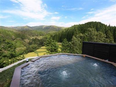 宿泊客は無料で利用できる天空の露天風呂