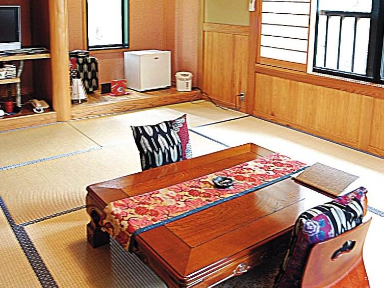 2階建客室 1階が露天風呂