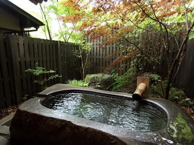 貸切できる岩露天風呂(4~11月)