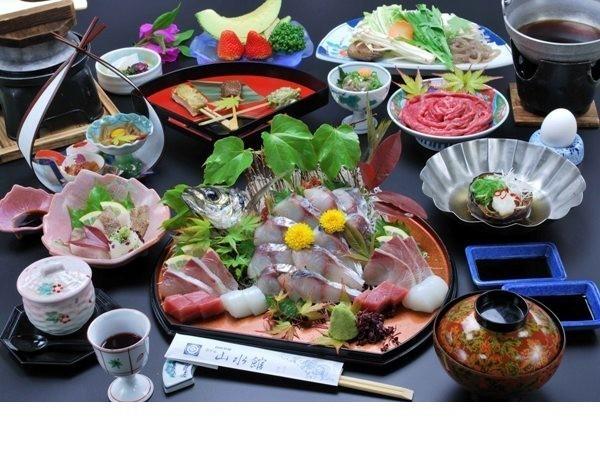 関あじと牛すきやき(料理一例)