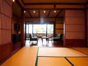 広々とした落ち着いた和室でごゆっくりおくつろぎいただけます。