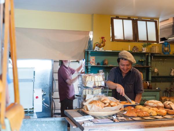 地元で大人気の「アーゴス」のパン