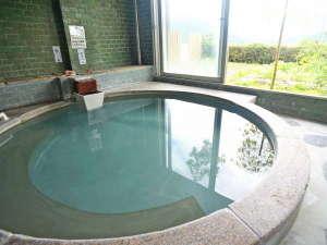 室内大浴場と中浴場と2種類<br />※時間帯で家族風呂として利用可