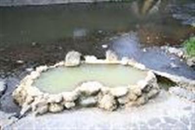 当宿の目の前のある「ガニ湯」無料で入浴できますが、脱衣所がありません。