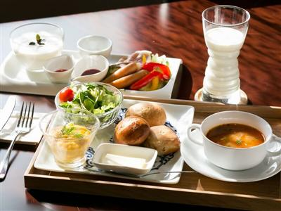 レストランで頂く朝食は、和食と洋食の中から好きなものを選べます