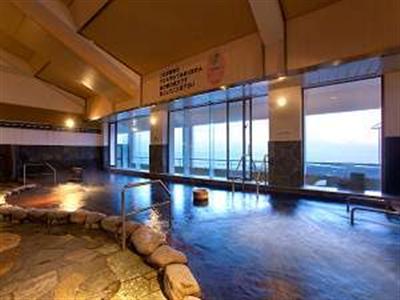 3階展望大浴場からは太平洋一望。日帰りは大人500円