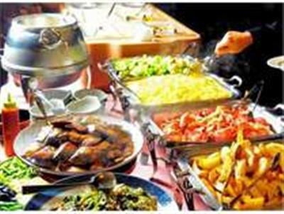 クチコミでも人気。奄美の郷土料理を堪能できる和洋ビュッフェ