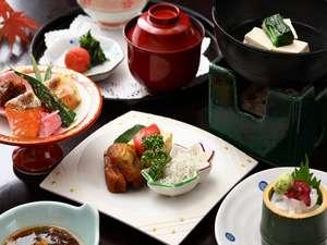 【料理】鹿児島名物のさつま揚げや、旬の魚介をふんだんに使う朝食に舌鼓
