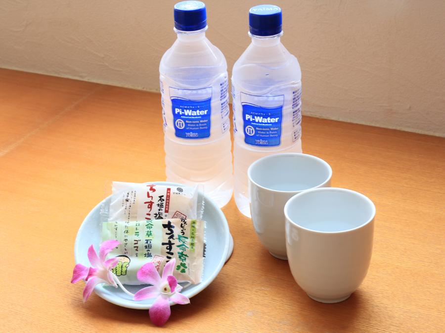ミネラルウォーター 茶菓子