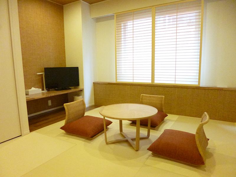 石垣島では珍しい本格的な和室です。