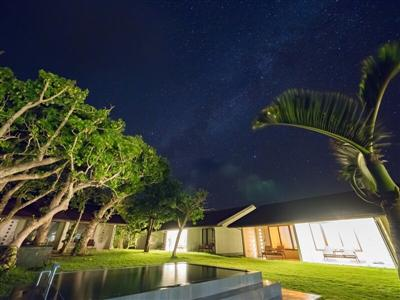 700坪の広大な敷地に全12棟。西表島の南国リゾートヴィラ