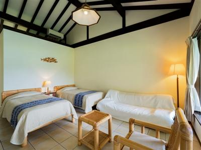 屋外テラスが全室に。バリ風のエキゾチックなリゾート空間
