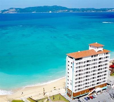 東シナ海を一望する全室オーシャンフロントのアクセス便利なリゾートホテル