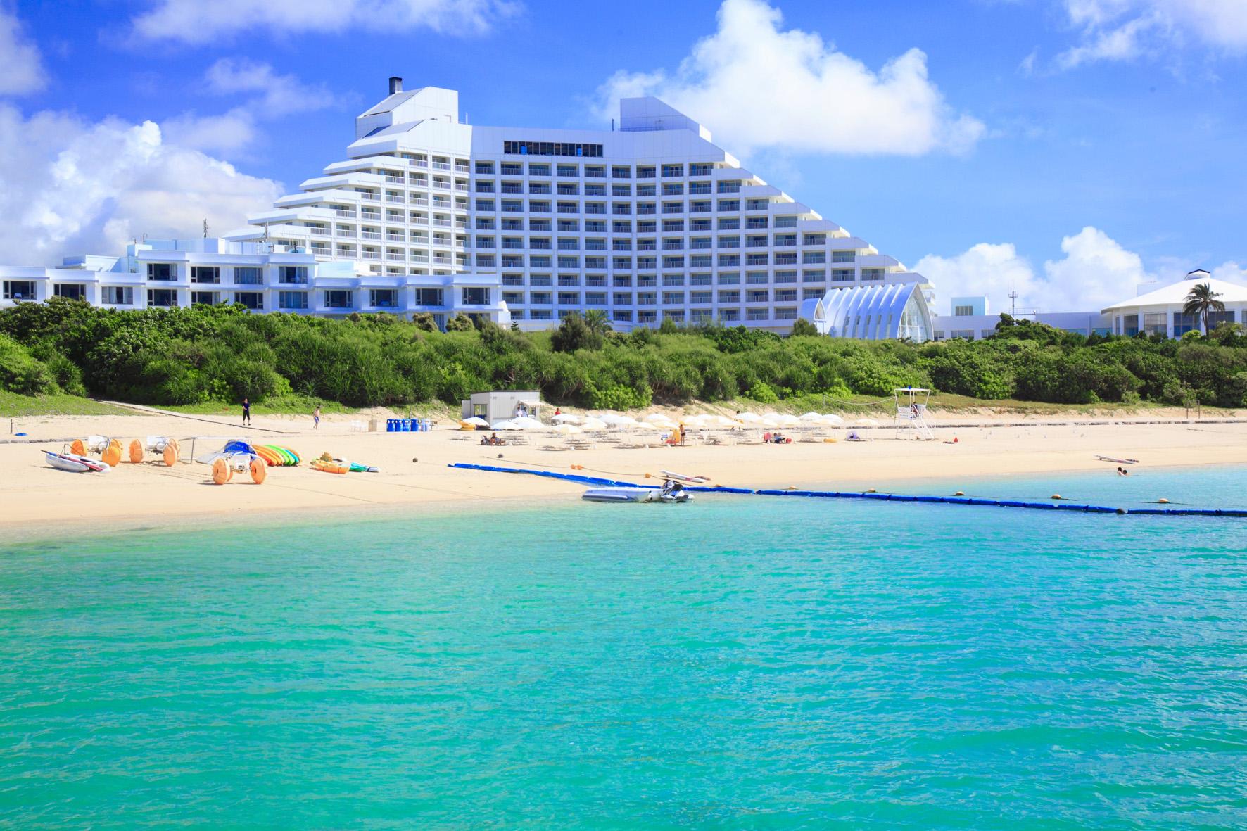 ビーチにプール、ゴルフ場まで。石垣島を代表する島内最大級のリゾート