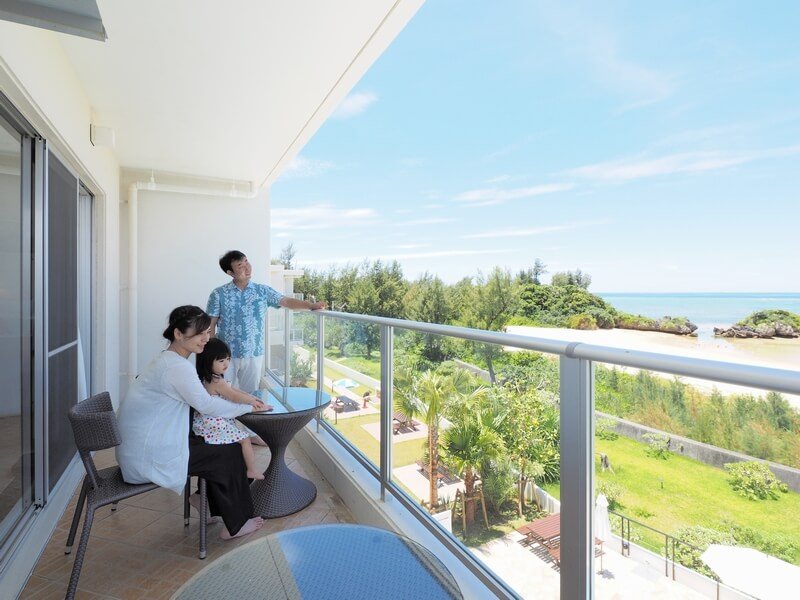 海と自然の緑に囲まれた静かな滞在が叶うリゾートホテル