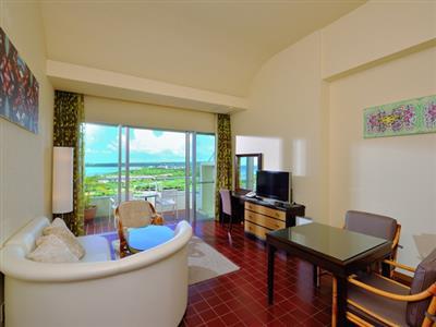 特別な滞在には、リビングと寝室が分かれたデラックスルームで